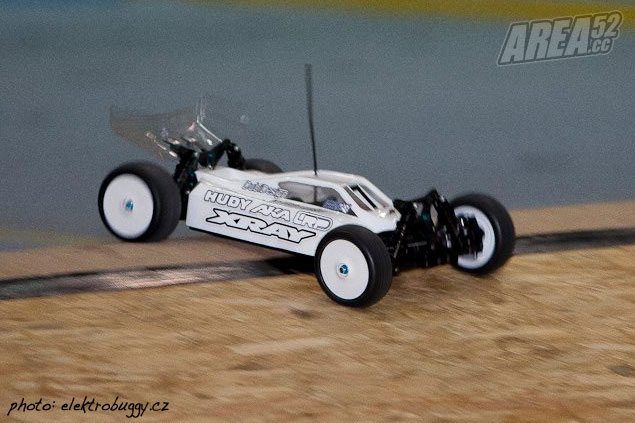 http://www.area52.cc/images/stories/autos/content2012/content112012/content27112012/Xray-XB4-Buggy.jpg